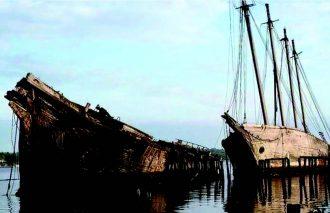 Shipwrecks and Salvage v2